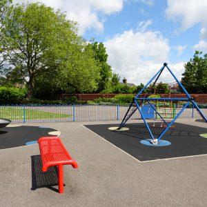 o que fazer para instalar um piso emborrachado no seu playground